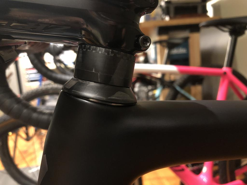 Headset - Is this acceptable on a brand new bike?-img_2217.jpg
