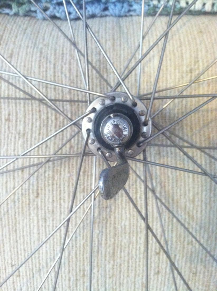 Newbie (Re)Building First Wheel-img_2834.jpg