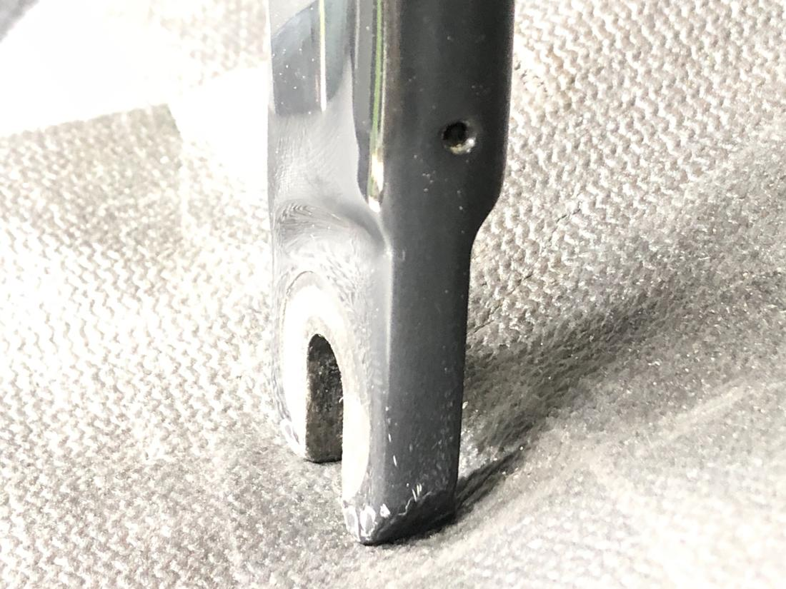 New Ruby Elite 2018 - hole in fork...?-img_3779.jpg