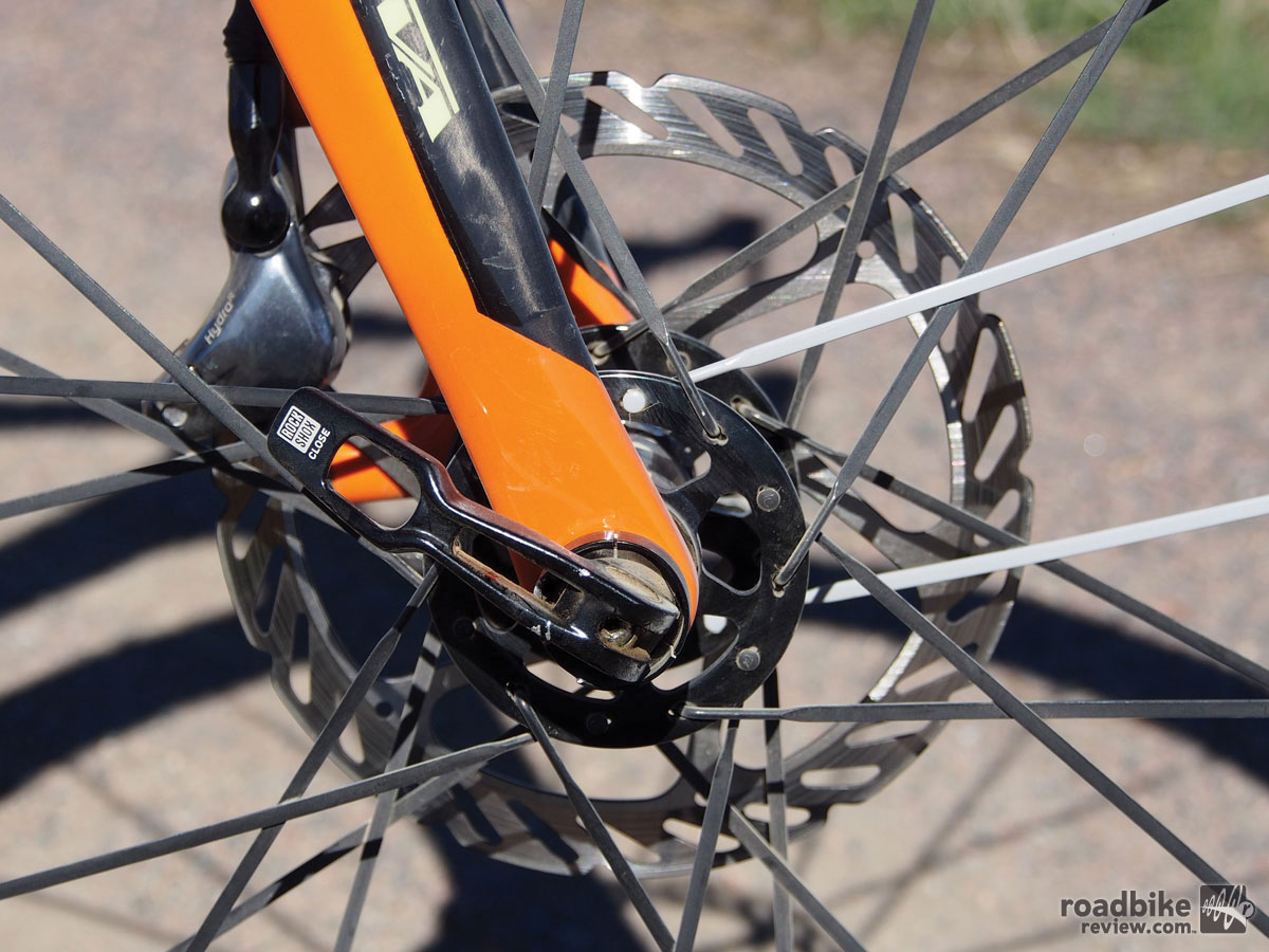 The 15mm Maxle thru axle up front improves stiffness and helps maintain rotor-brake pad tolerances.