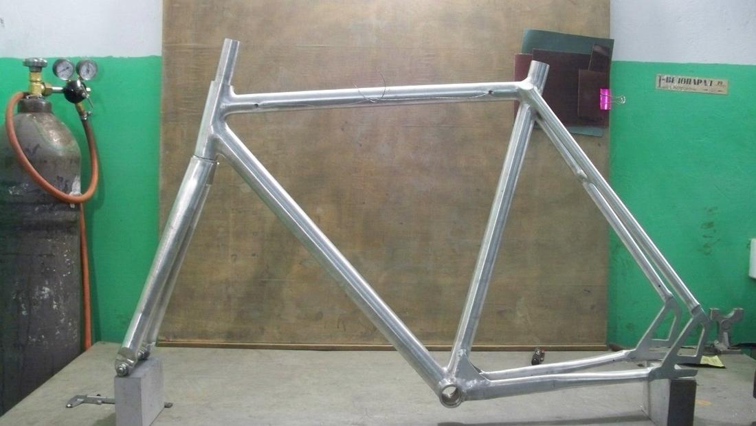 Toresvelo. Custom bikes from the dusty wasteland-jctknuzikmk.jpg