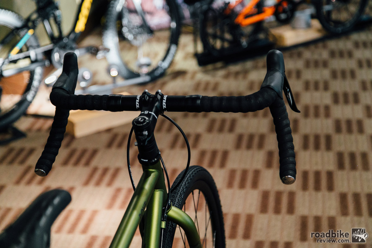 Flared drop bars help to create the versatility of the Rove.