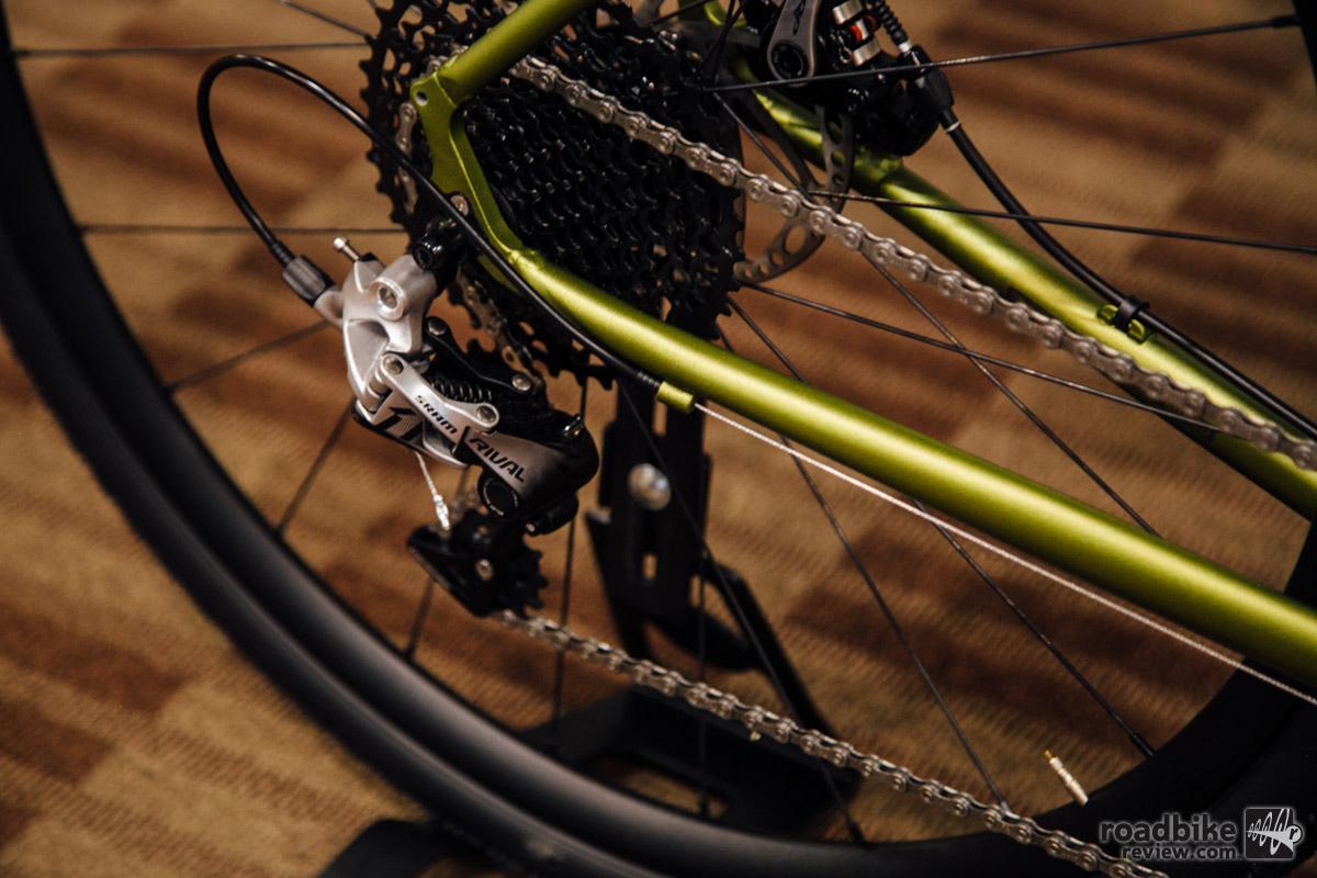 For 2017, The Rove ST uses a 40 T front chainring, paired with a 10-42 rear cassette.