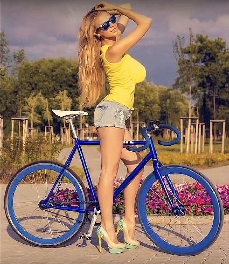 Hello Everyone! Donna Here-leggybiker.jpg