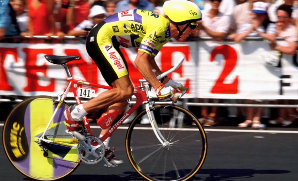 LeMond uses aero bars