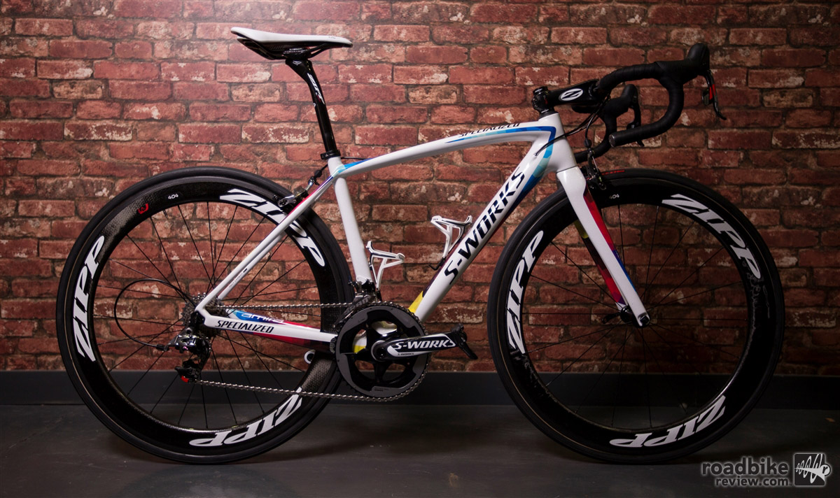 Key spec includes a SRAM Red 22 drivetrain and Zipp carbon wheels and cockpit components.
