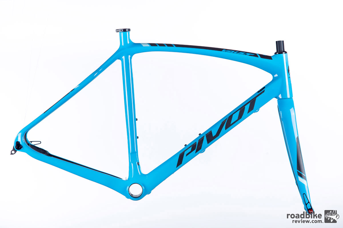 "The bike is also available as frameset only.  Sizes are XS, S, M, and L for riders between 5'3"" and 6'3""."