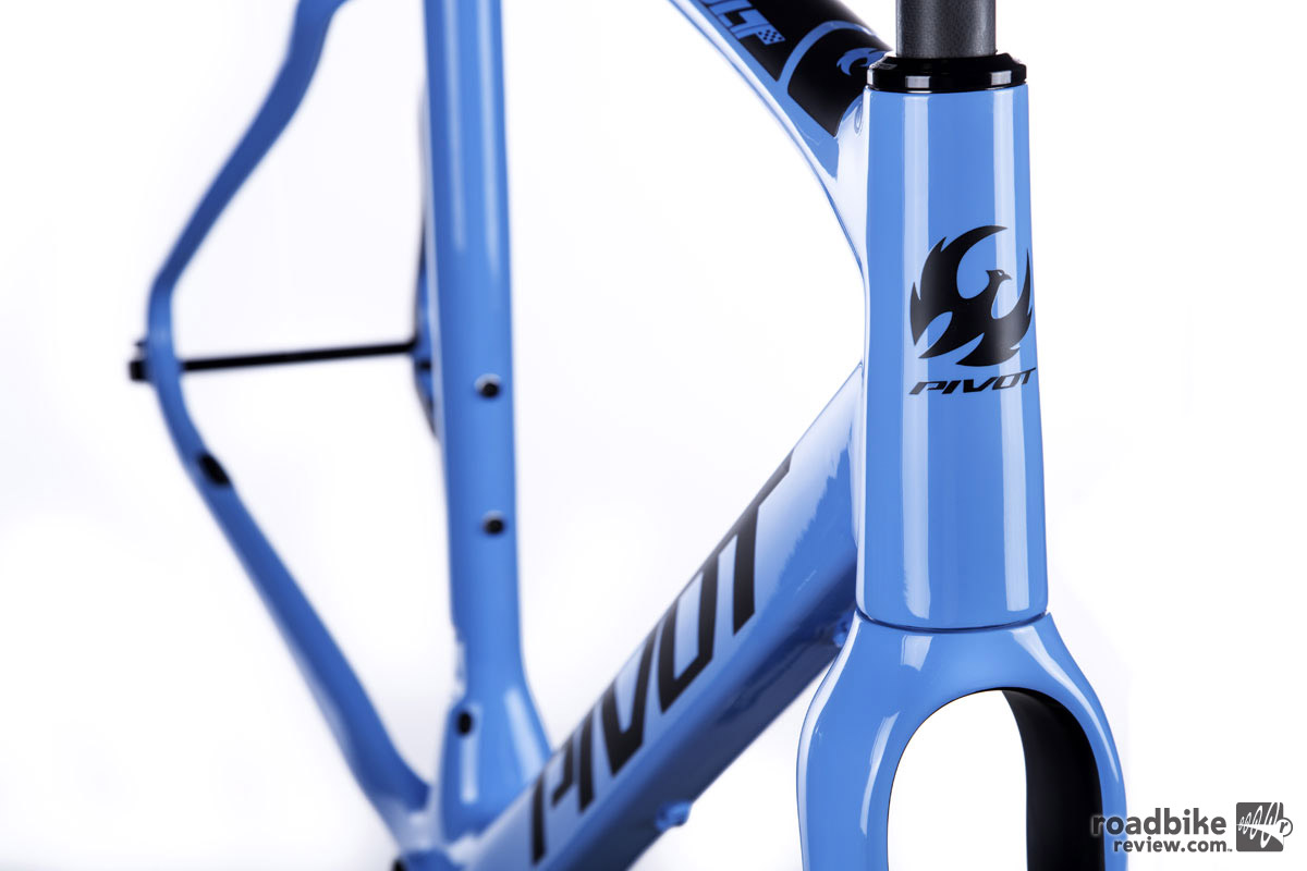 "Updates also include a new 1.5"" tapered steerer carbon fork."