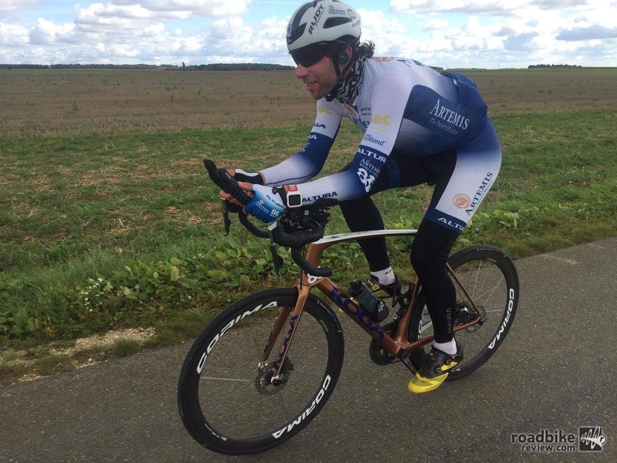 Mark Beaumont rides around world in 79 days