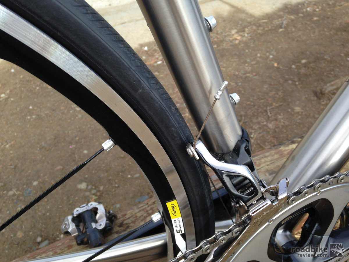 Motobecane Le Champion Team Ti Rear Tire
