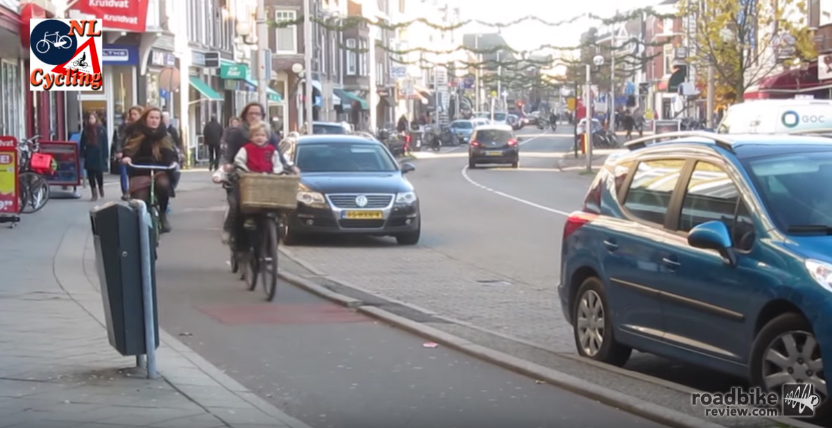 This is how bike lanes should work