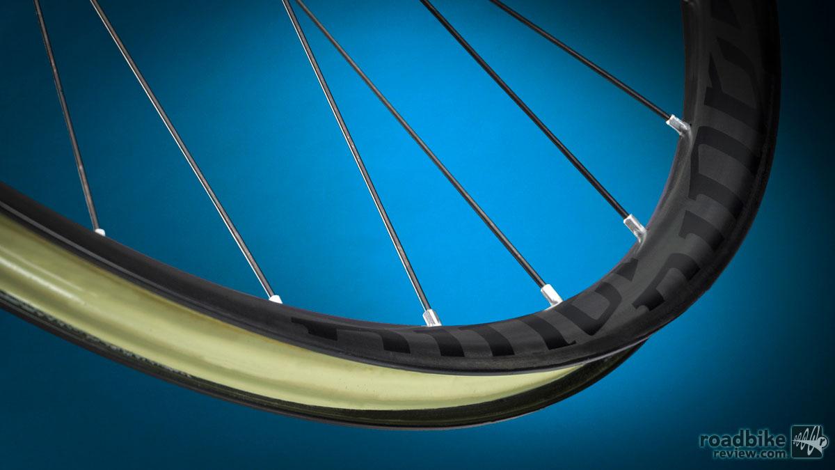 Niner Carbon MTB Wheel 140328__