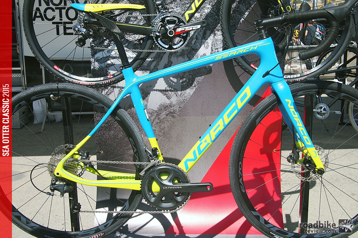 Features include a carbon frame with a claimed weight of just under 1000 grams.