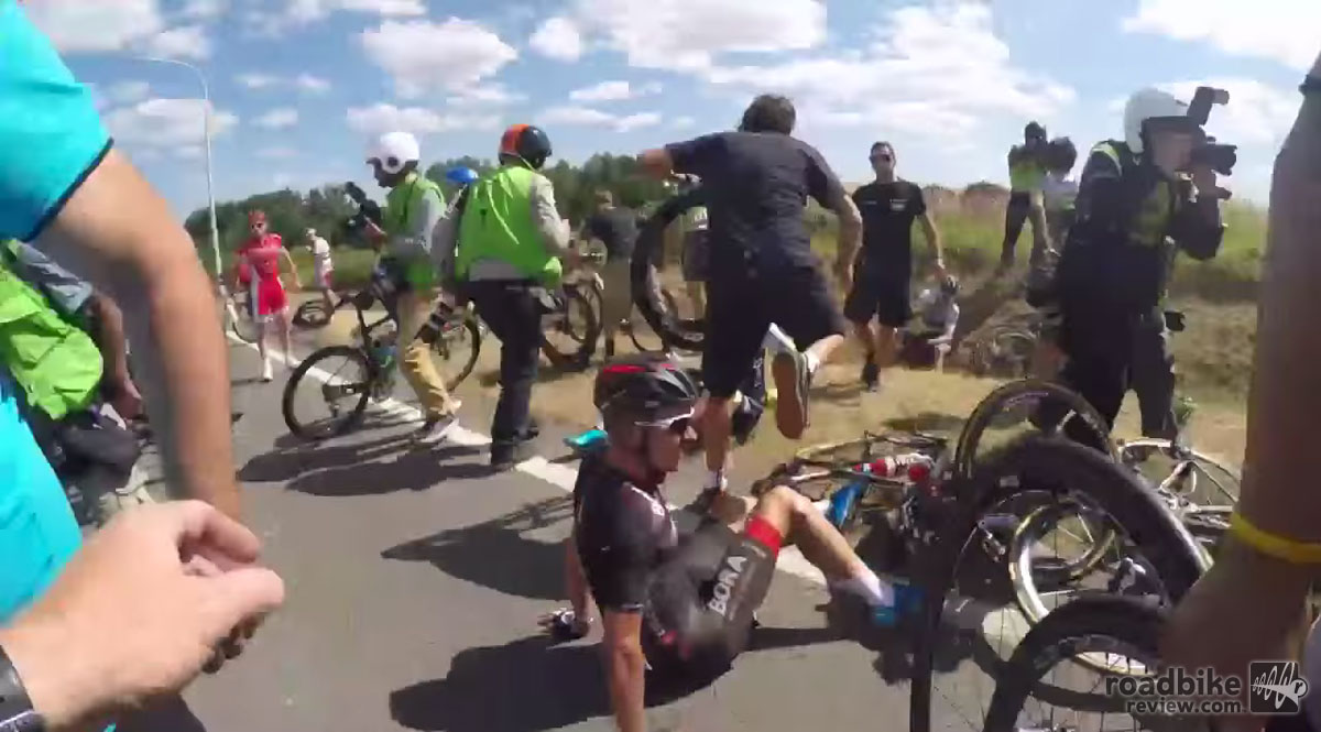Tour de France 2015: Dramatic stage 3 crash footage