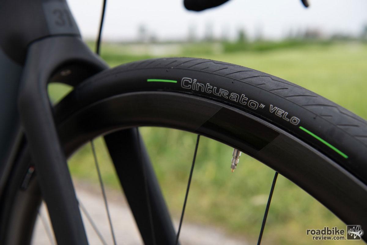 Pirelli Cinturato Velo Tubeless Ready Tire