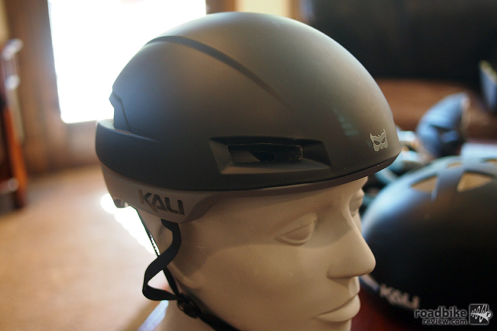 An angled view of the Tava aero road helmet on a head form.