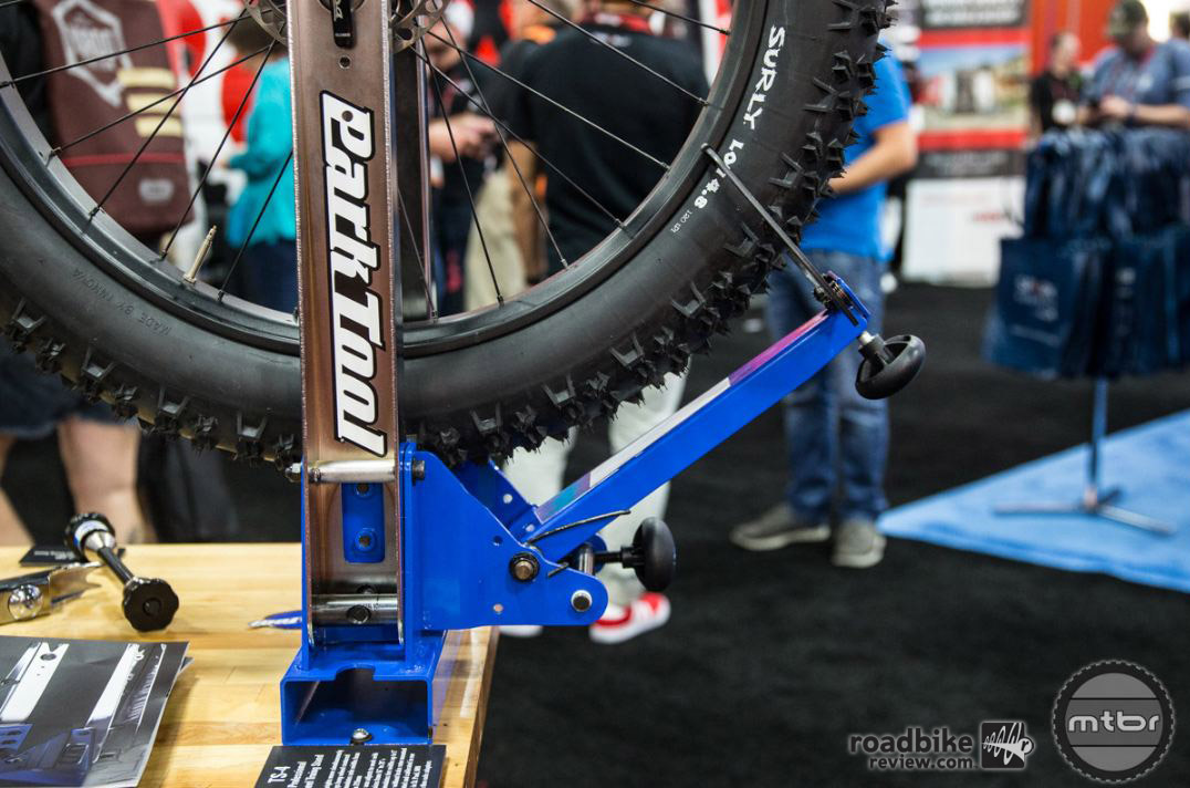 "The new TS-4 can accommodate hub axle widths from 75mm-215mm. It's also compatible with 16""-29""+ wheels."