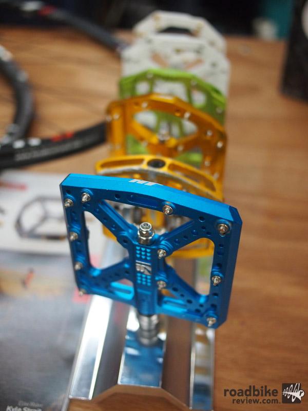 HT flat pedals