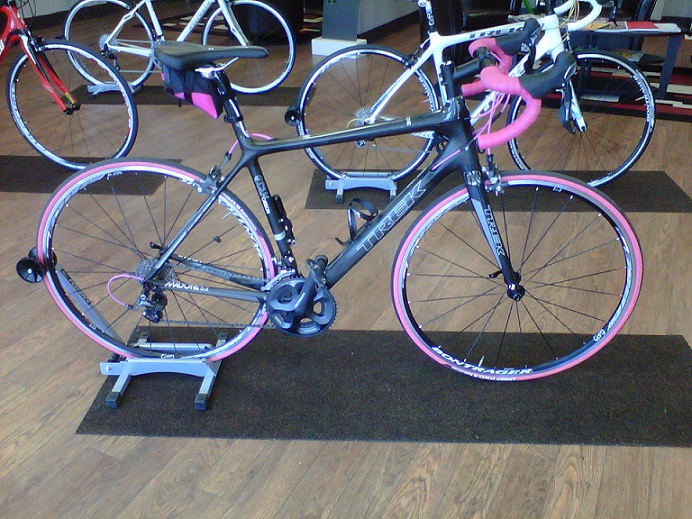 Black on black? Ladies, your opinions please!-pink-bike.jpg