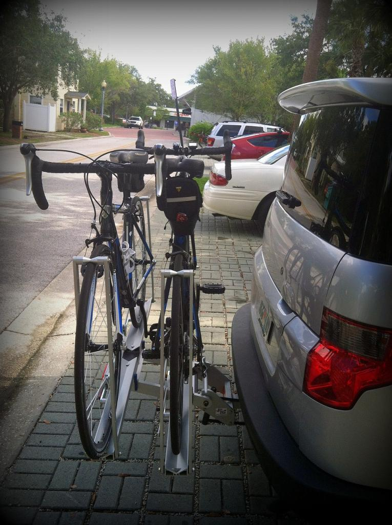 1up USA Bike Rack with two road bikes