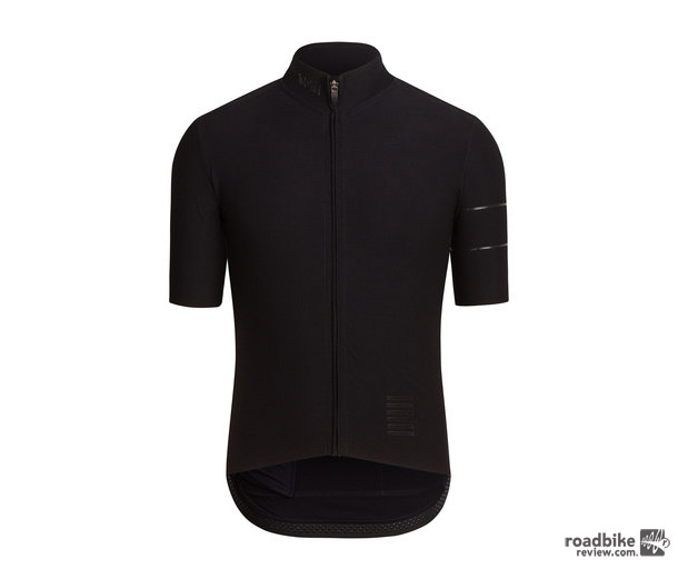 The jersey features Vizlon zip with chunky, ergonomic puller for ease of use, three rear cargo pockets with drill holes to let rain out, and a brushed inner and mesh fabric on collar for comfort.