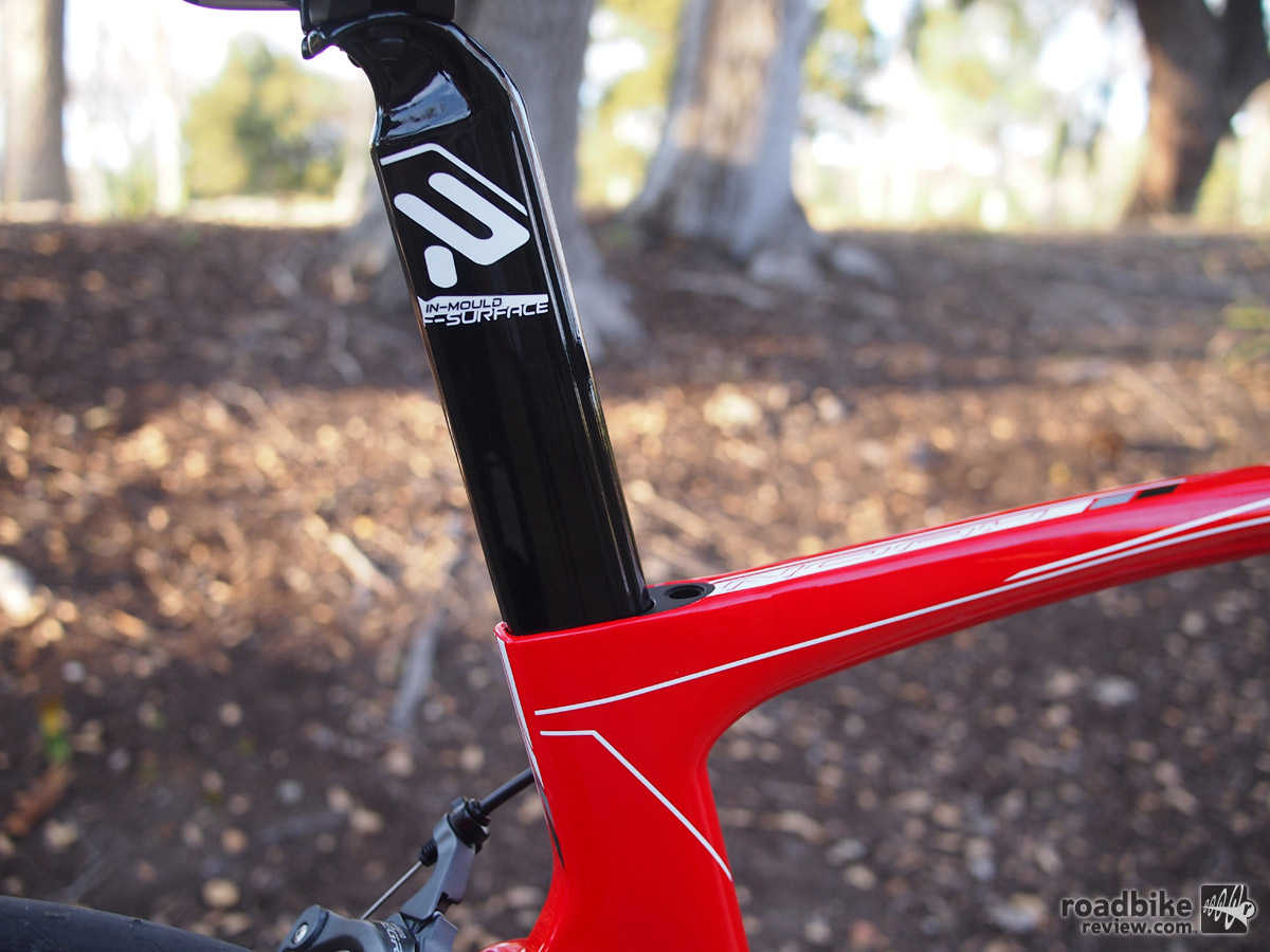 Both the front edge of the seat tube and the down tube get Ridley's F-Surface Plus dimples for controlling air flow.