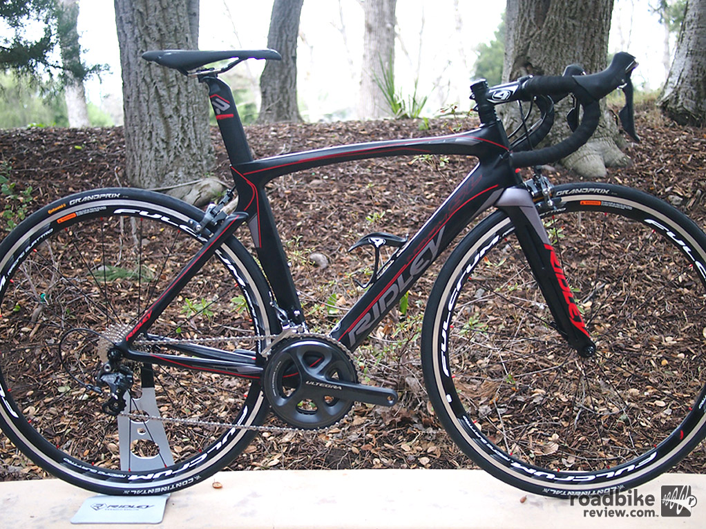 950 gram carbon frame weight