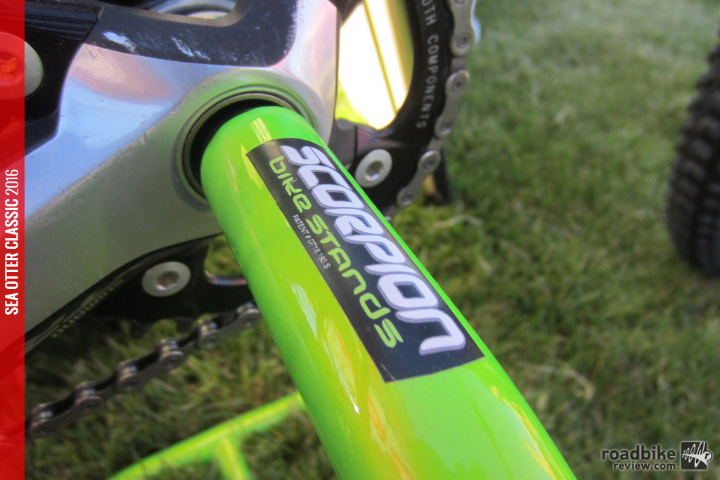 This simple, clean and easy-to-use stand takes advantage of bikes equipped with hollow bottom bracket shells.