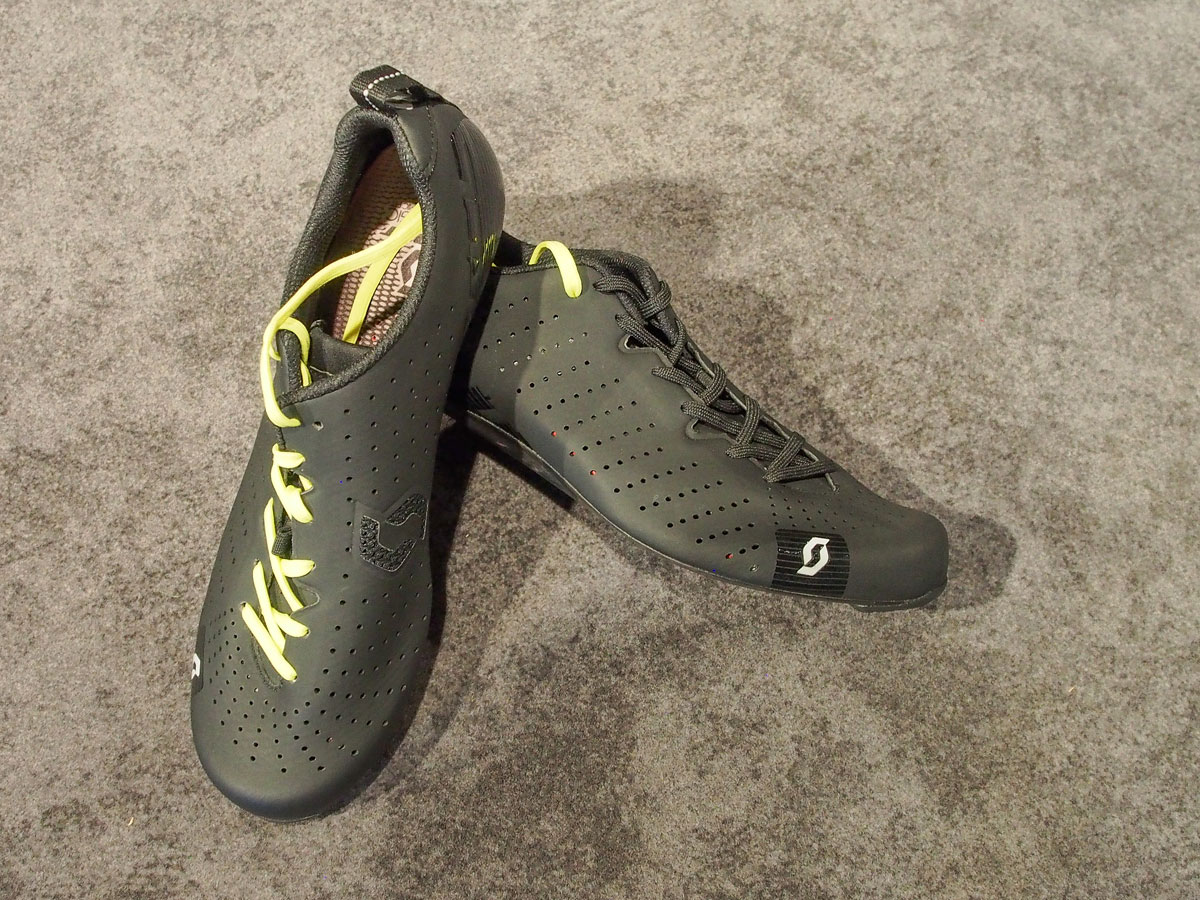 Just Sports Shoes Reviews