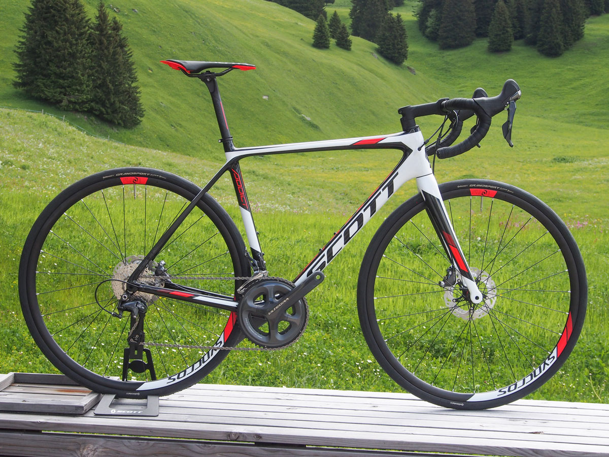 One step down is the Scott Addict 20 Disc with Shimano Ultegra drivetrain and Syncros alloy wheels.