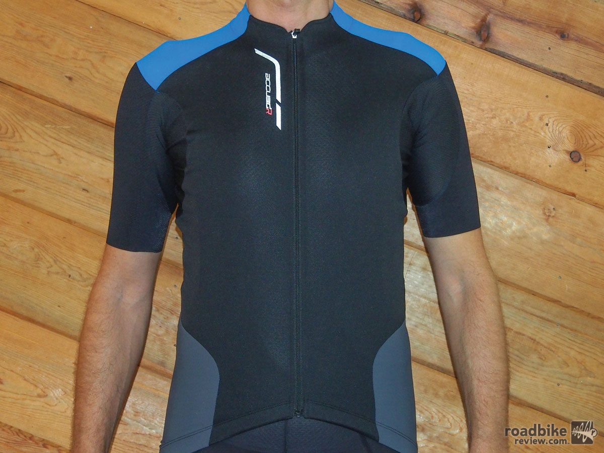 The black/blue version of the Accu3D jersey. It also comes in white/red.