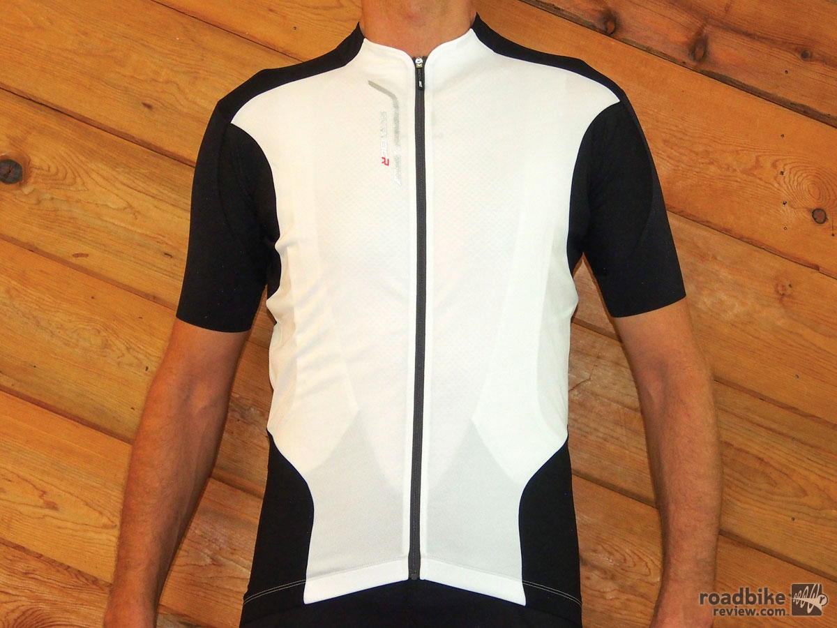 The Accu3D Jersey is designed for the racer crowd.