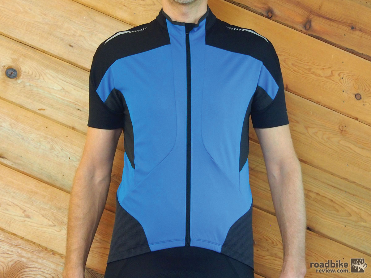 According to Shimano, the Mirror Cool Jersey is constructed with a special ceramic coated fabric that's heat reflective and suppresses temperatures inside the garment, reducing temperature by 3 degrees.