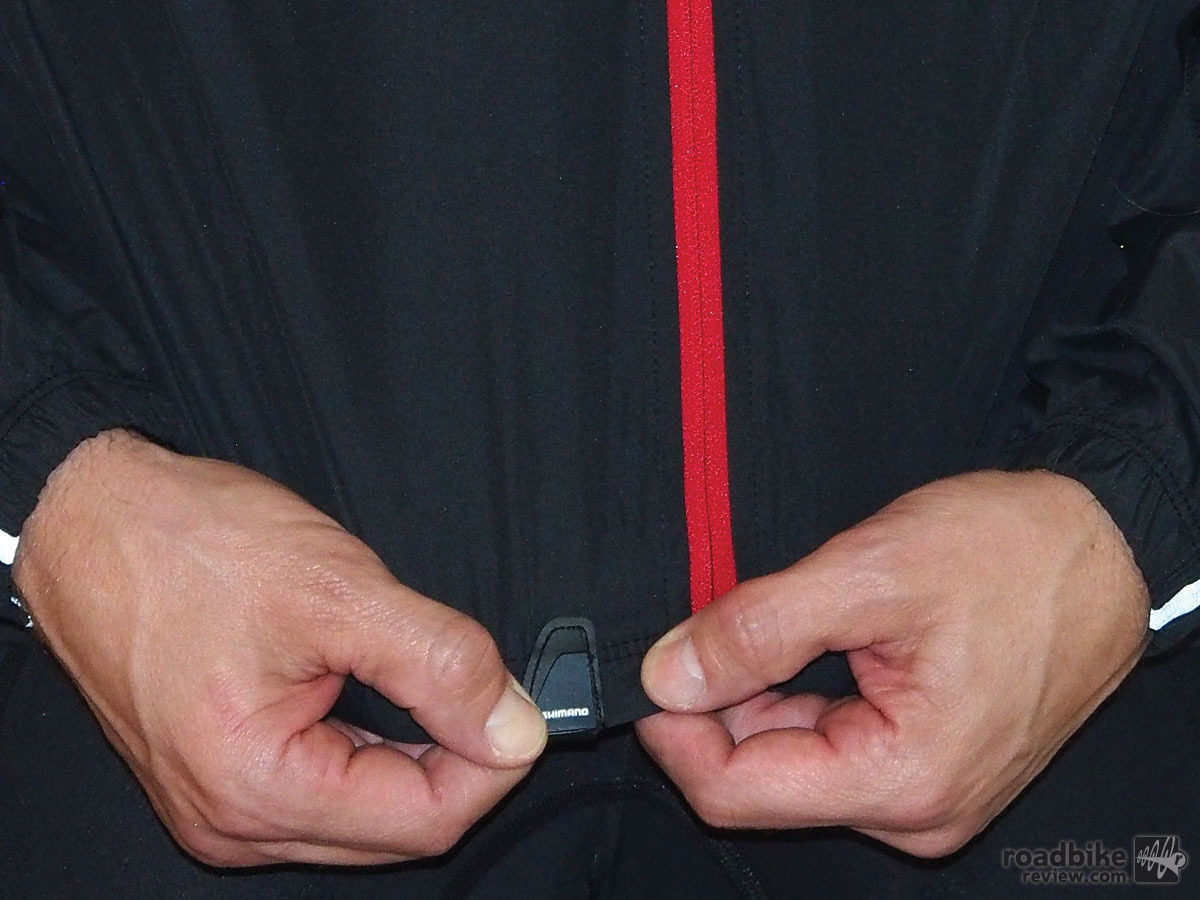 This small pull tab makes it easier to zip up on the fly without looking.
