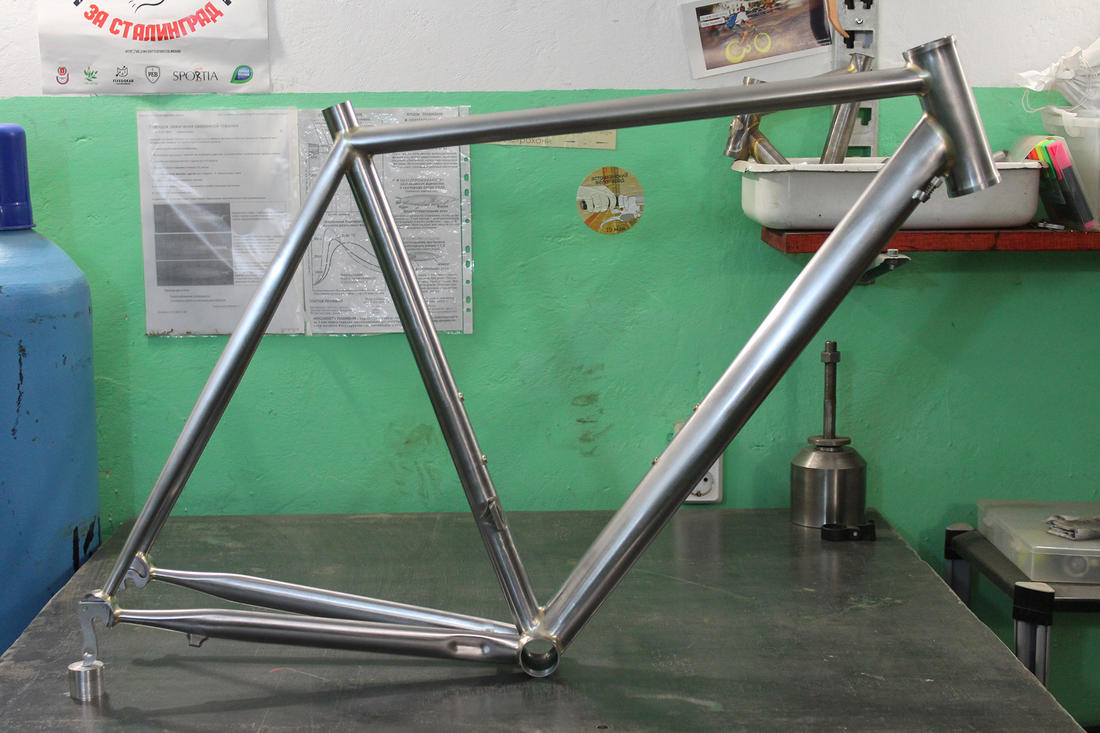 Toresvelo. Custom bikes from the dusty wasteland-small.jpg