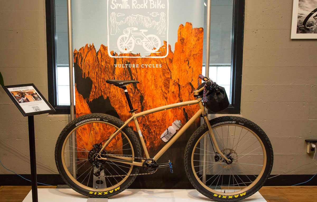 Vulture Cycles built a hardtail 29er with classic lines ideal for exploring the serpentine singletrack of Smith Rock.