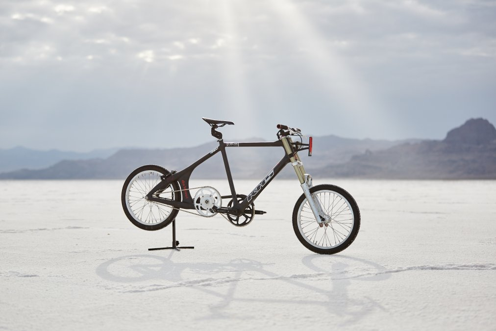 Cyclist reaches 184mph, breaking world record