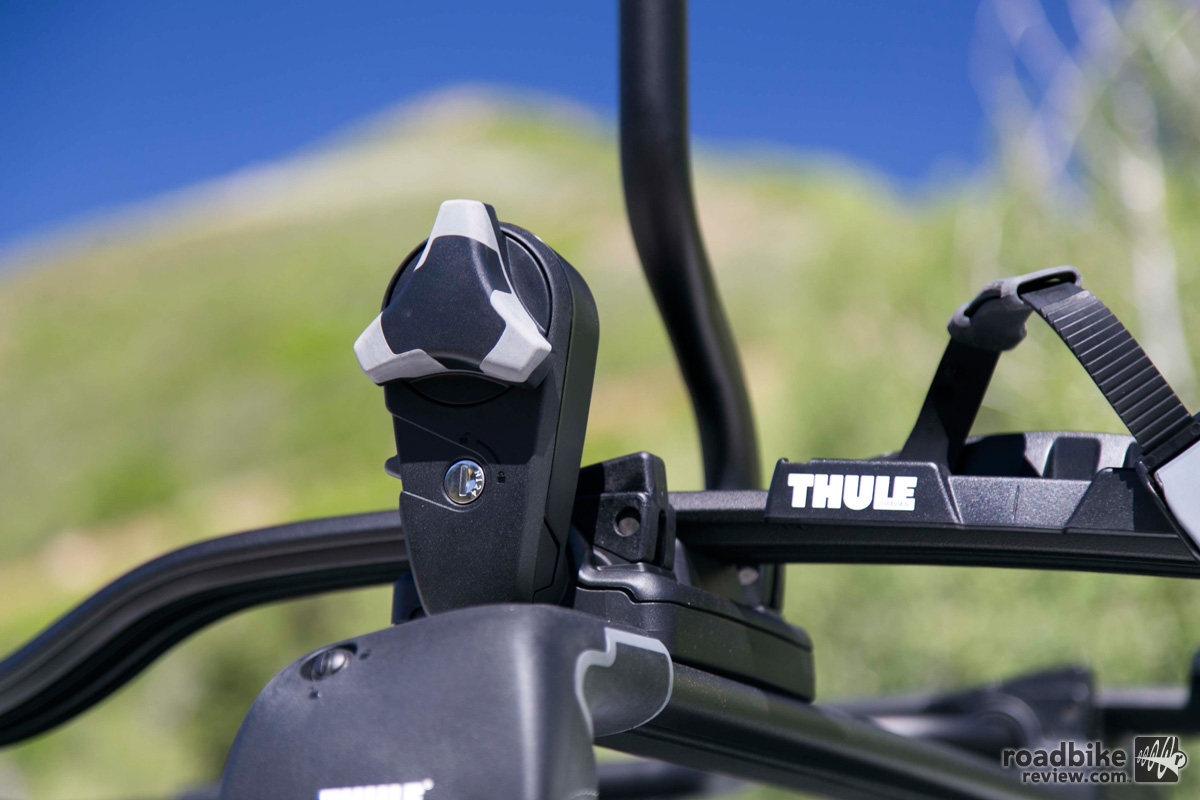 thule double track pro proride rack and chasm bag road. Black Bedroom Furniture Sets. Home Design Ideas