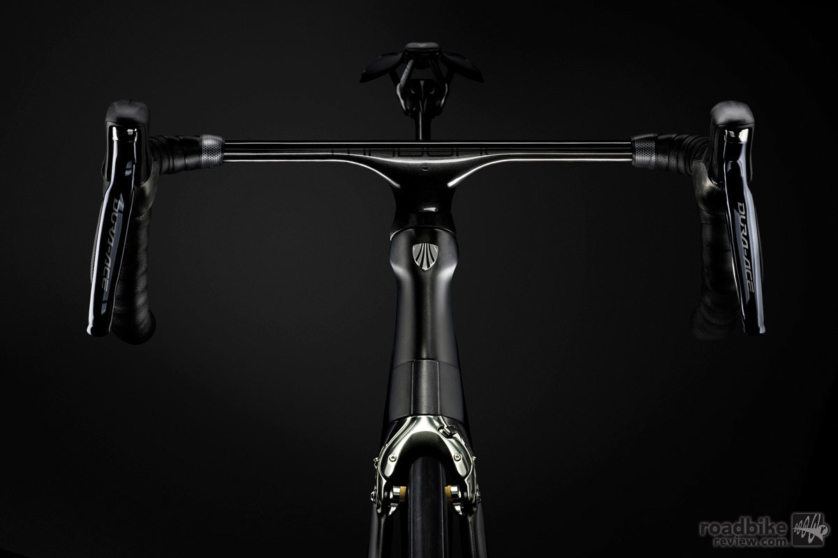 Up front is a proprietary one-piece aero bar/stem that Trek says has the sleekest, lowest-drag profile it's ever developed.