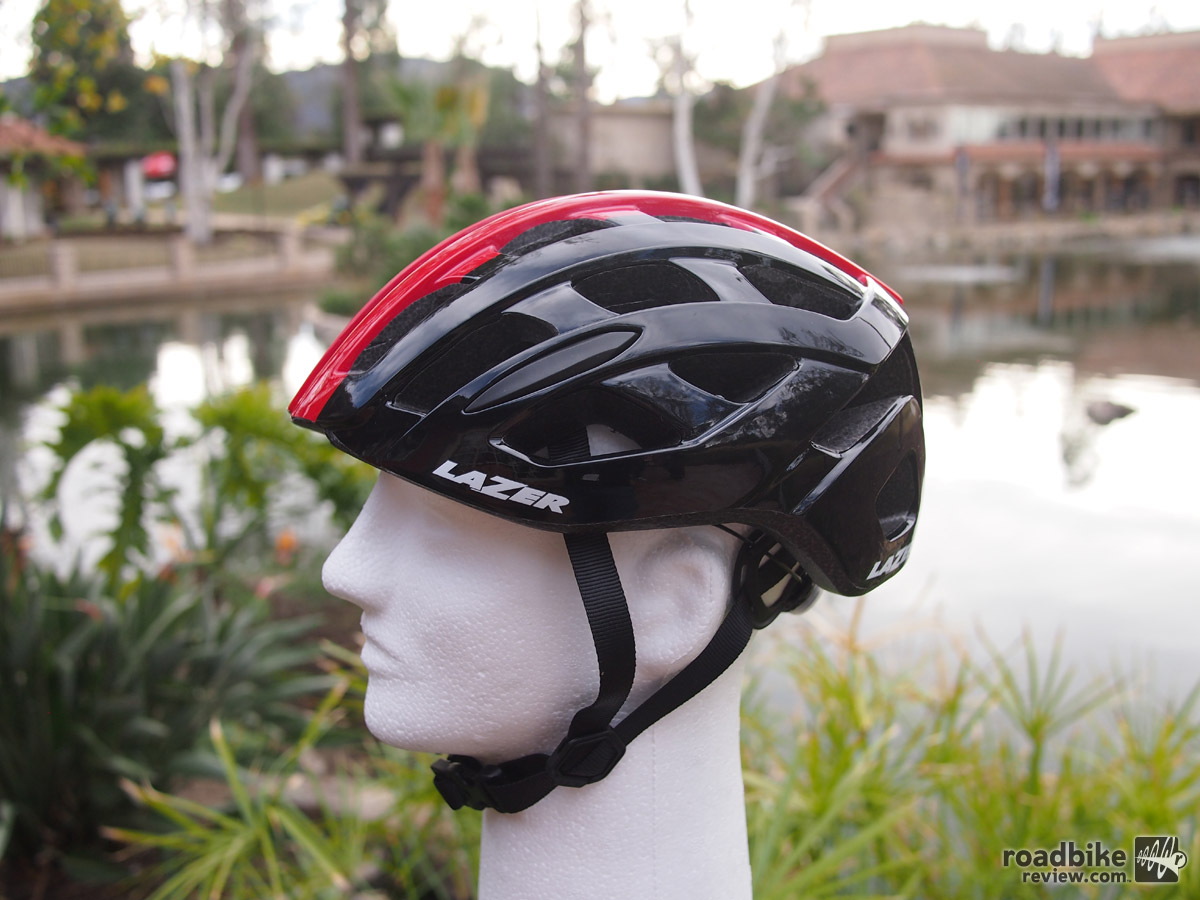 The all new Roller helmet has 28 vents, weighs 230 grams (size MD), is available in 3 sizes and five colors.