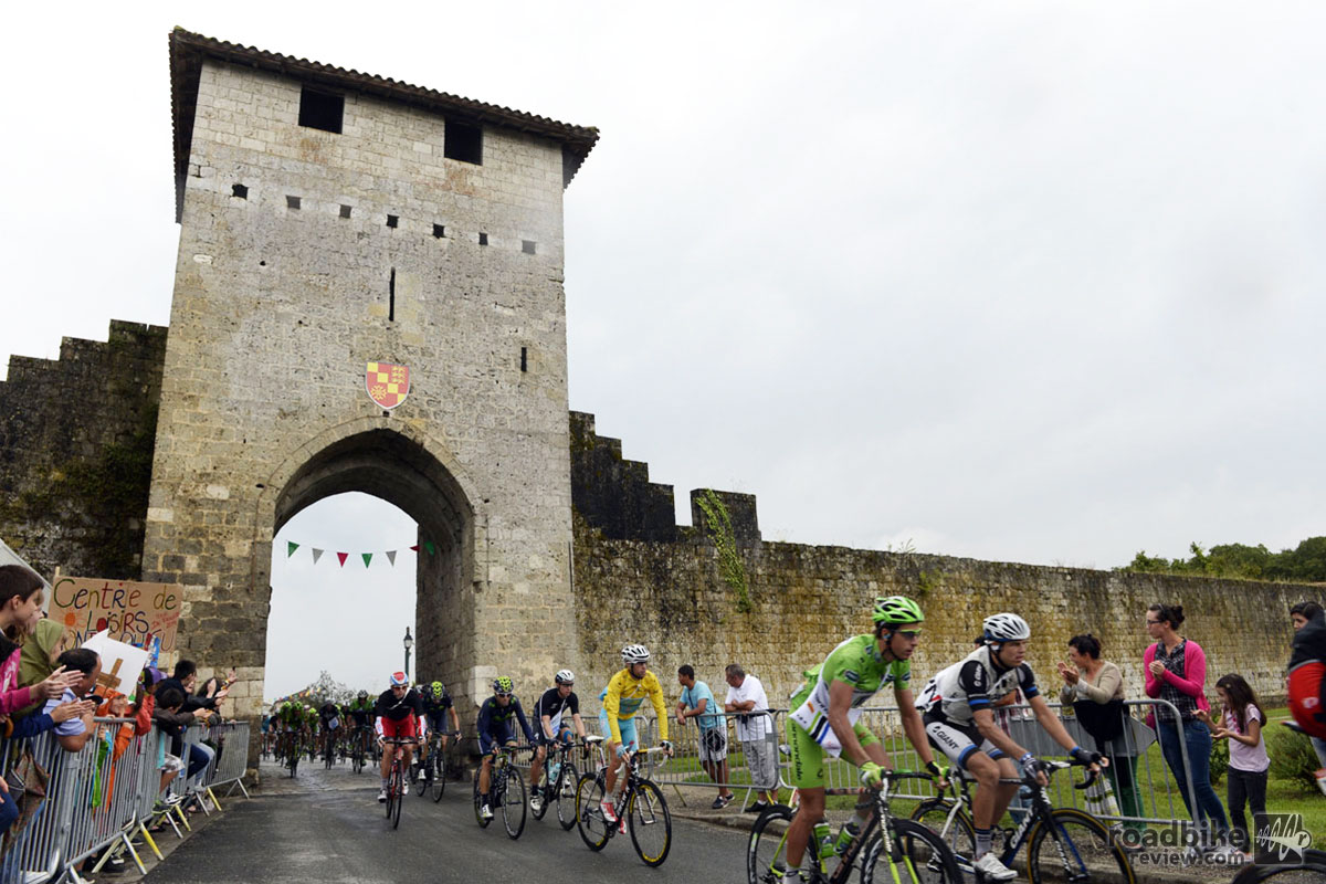 Peter Sagan (green jersey) and Nibali storm the proverbial (and literal) castle during the early stages of Friday's 208.5km stage from Maubourguet Pays du Val d'Adour to Bergerac in the south of France. Photo by Graham Watson