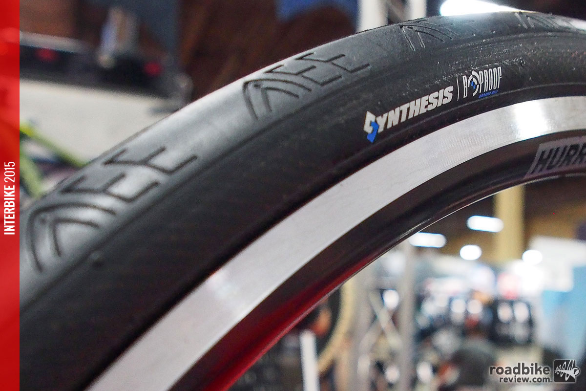 First Look: Vee Apache Chief tubeless-ready road tire