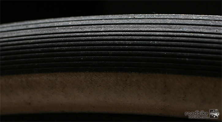 The unidirectional tread offered excellent traction without a deficit in rolling resistance.