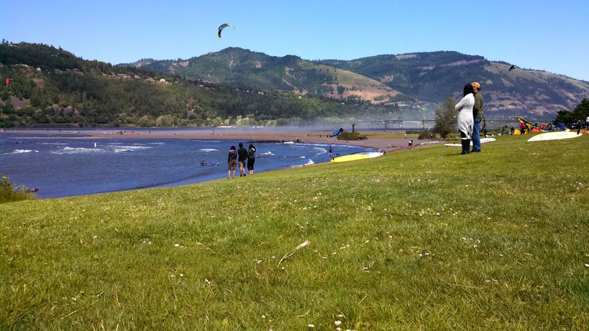 Hood River is one of the world's greatest locations for wind-driven water sports in the entire world.