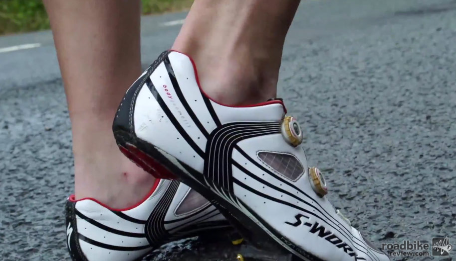 Video: Top 10 things you should NEVER wear while cycling