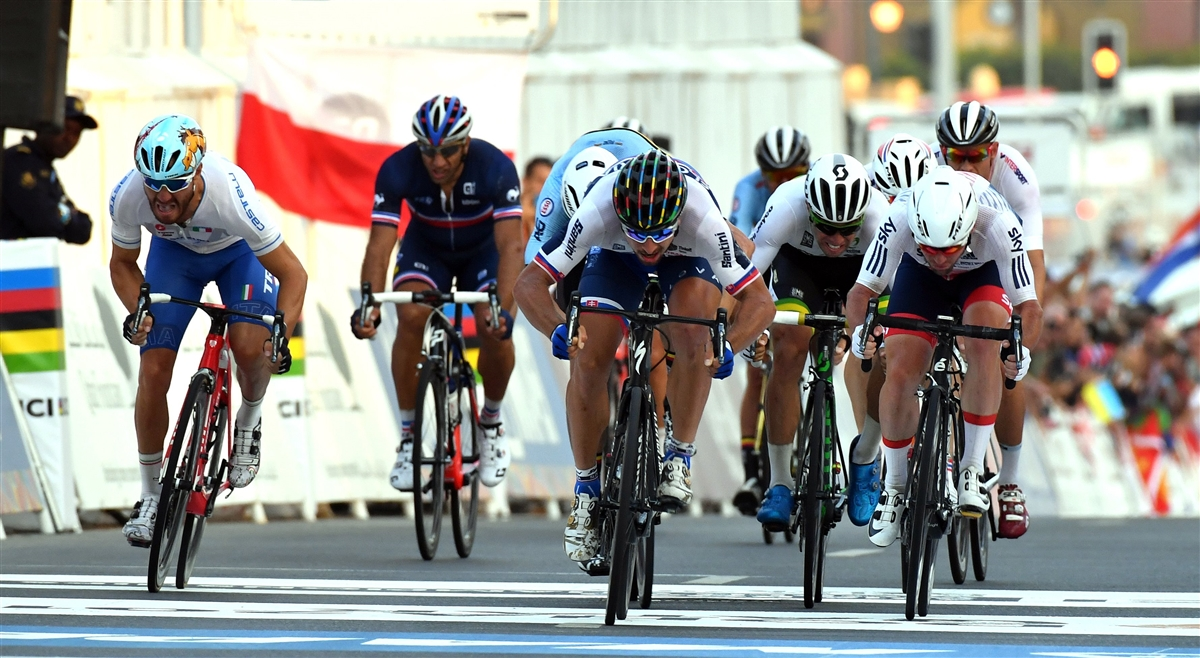 The final dash to the finish in Doha saw Sagan defend his world title. It was the first time a rider has won two straight since Paolo Bettini in 2006-07. Photo courtesy Specialized