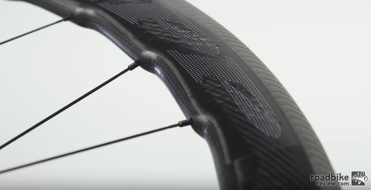 This new 53/58mm deep rim shape is claimed to simultaneously reduce aerodynamic drag and side force.